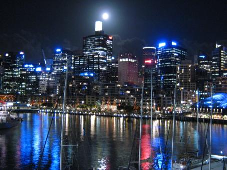 Free Stock Photo of Sydney by night a full moon moment