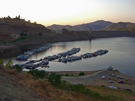 Free Stock Photo of Lake Kaweah at Dusk