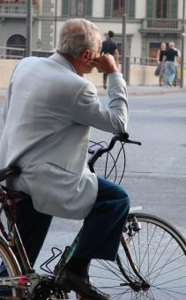 Free Stock Photo of Pondering cyclist, italy