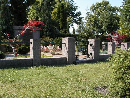Free Stock Photo of Cemerery gate