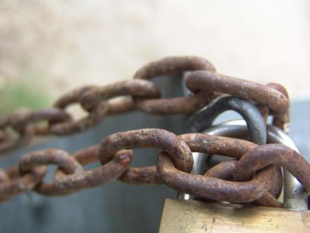 Free Stock Photo of Rusted chain and lock