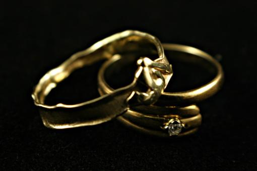 Free Stock Photo of Two gold rings