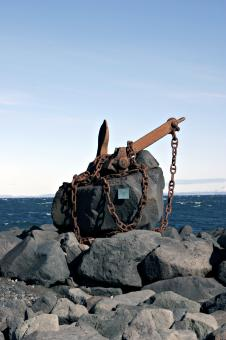 Free Stock Photo of Sculpture of anchor and chains