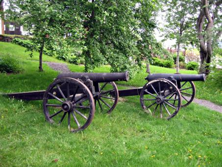 Free Stock Photo of A small cast-iron cannon on a carriage