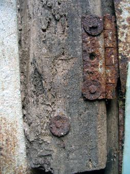 Free Stock Photo of Rusted hinges