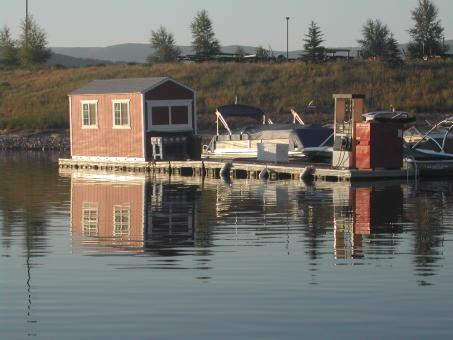 Free Stock Photo of Boat dock reflections in the morning