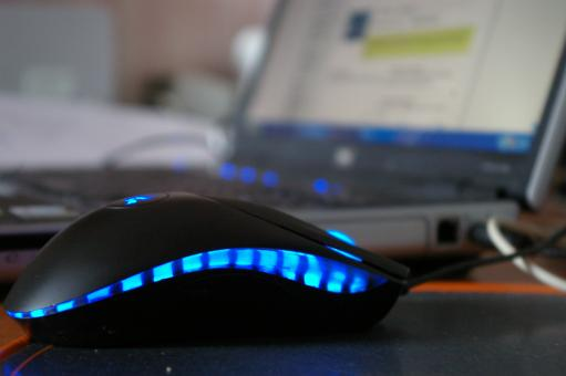 Free Stock Photo of Laptop with blue mouse