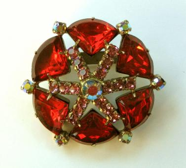 Free Stock Photo of Atomic 40s Red Star Brooch