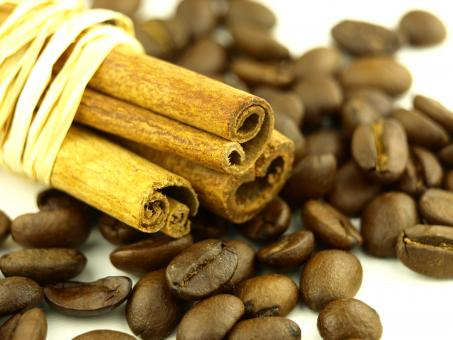 Free Stock Photo of Cinnamon and coffee beans