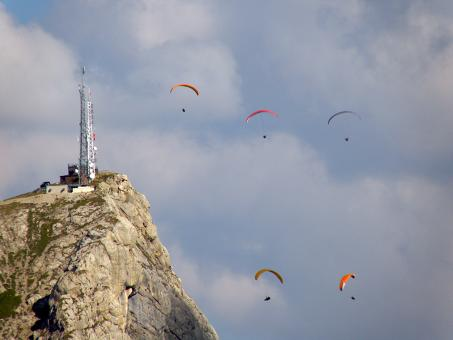 Free Stock Photo of Paragliders