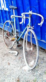 Free Stock Photo of Decayed Morrison Blue Ten Speed Bike