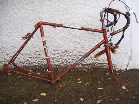 Free Stock Photo of Neglected 1970s Healing 10 Speed Cycle