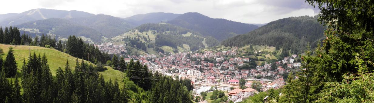 Free Stock Photo of View of the town of Chepelare.