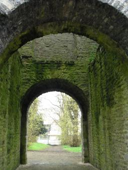 Free Stock Photo of Old Archway