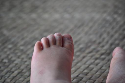 Free Stock Photo of Those little feet