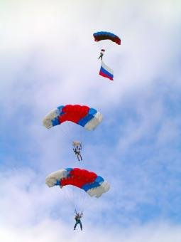 Free Stock Photo of Skydivers