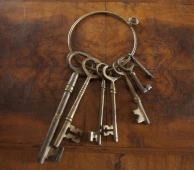 Free Stock Photo of Antique Skeleton Keys