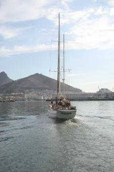 Free Stock Photo of Yacht in Table Bay