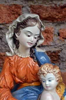 Free Stock Photo of Virgin Mary and baby Jesus statue