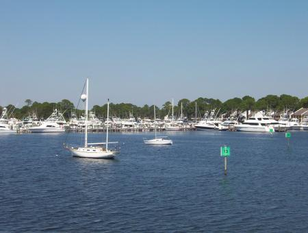 Free Stock Photo of Yacht Club Marina