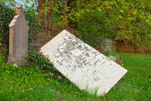 Free Stock Photo of Tilted Tombstone - HDR