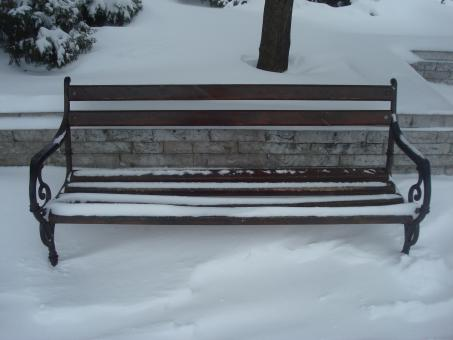 Free Stock Photo of Snowy bench