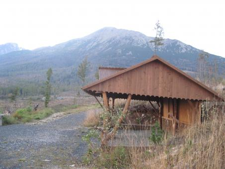 Free Stock Photo of Mountain wooden shed