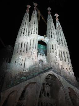 Free Stock Photo of Sagrada familia at night