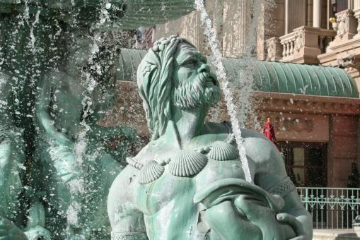 Free Stock Photo of Water Statue
