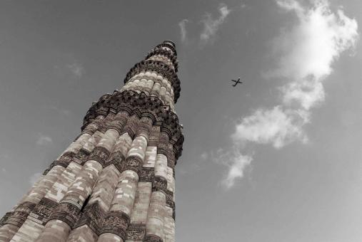 Free Stock Photo of On the Sky, The Qutub Minar