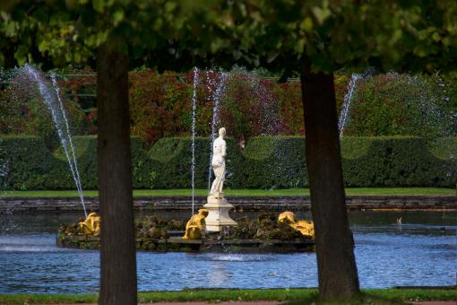 Free Stock Photo of Fountain At Peterhof Palace
