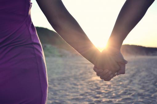 Free Stock Photo of Holding hands