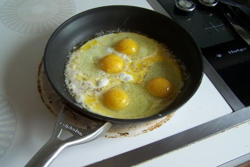 Free Stock Photo of Eggs Frying