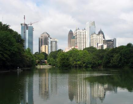 Free Stock Photo of Atlanta skyline view with a lake