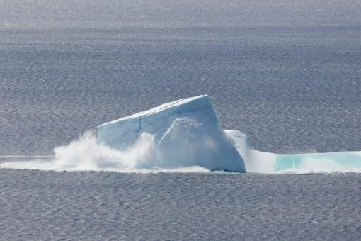 Free Stock Photo of Collapsing Iceberg