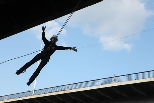 Free Stock Photo of Rope jumper