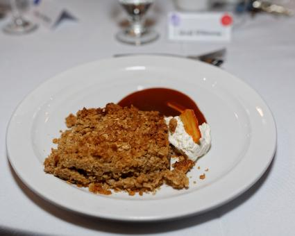 Free Stock Photo of Apple crumble dessert