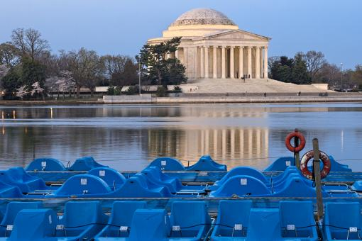 Free Stock Photo of Jefferson Memorial & Pedal Boats - HDR