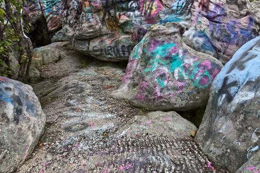 Free Stock Photo of Dans Vibrant Rock - HDR