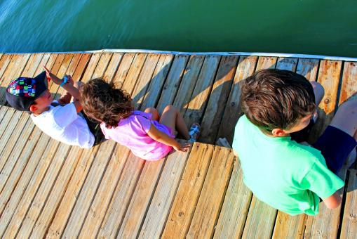 Free Stock Photo of Kids talking on the pier
