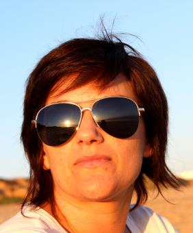 Free Stock Photo of Portrait of a woman with sunglasses