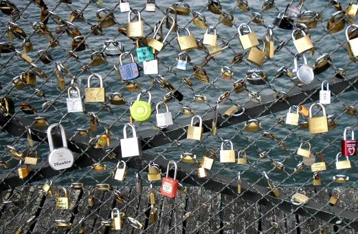Free Stock Photo of Love locks placed by tourists