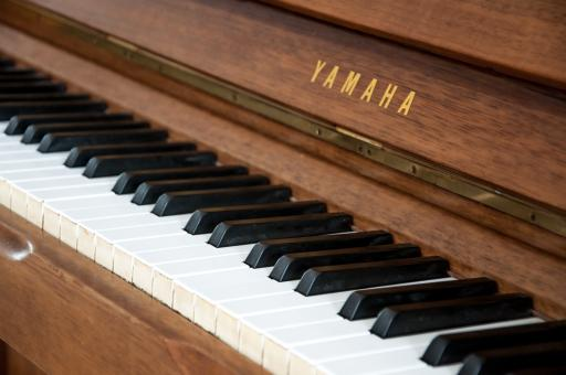 Free Stock Photo of Wooden vintage piano
