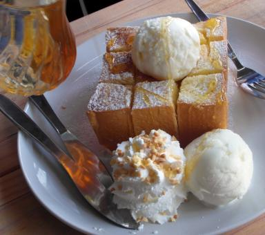Free Stock Photo of Honey Toast with Ice cream