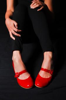 Free Stock Photo of Woman legs in red high heel shoes