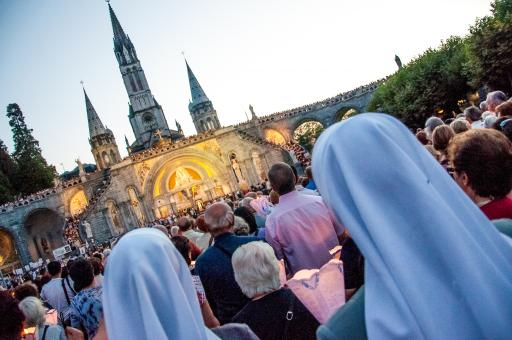 Free Stock Photo of Lourdes prayer ceremony