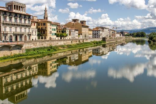 Free Stock Photo of Building Reflections in the Fiume Arno