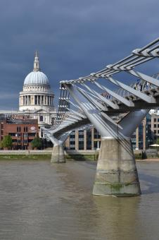 Free Stock Photo of The Millennium Bridge