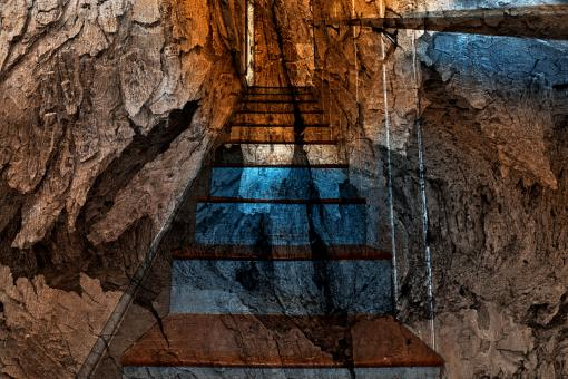 Free Stock Photo of Cracked Wood Staircase