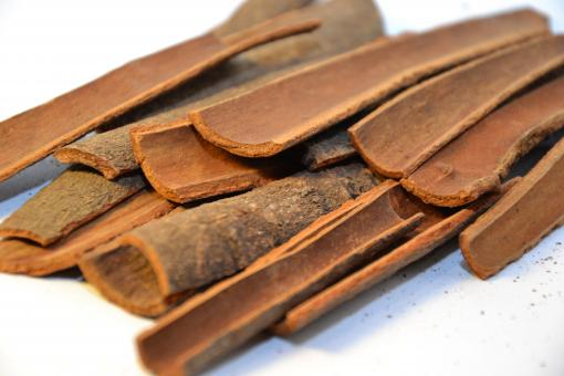 Free Stock Photo of Pieces of cinnamon bark